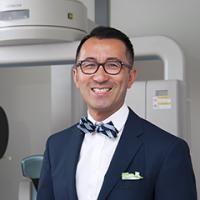 Headshot Dr. Lam