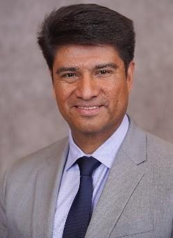 Headshot Dr. Correa